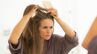 10 consejos sobre el cuidado del cabello - Caspa