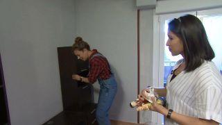 Transformar una sala en un dormitorio infantil sencillo y acogedor con friso azul paso 1