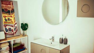 Cómo instalar un mueble de baño suspendido