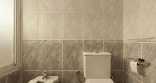 Decorar los azulejos del baño