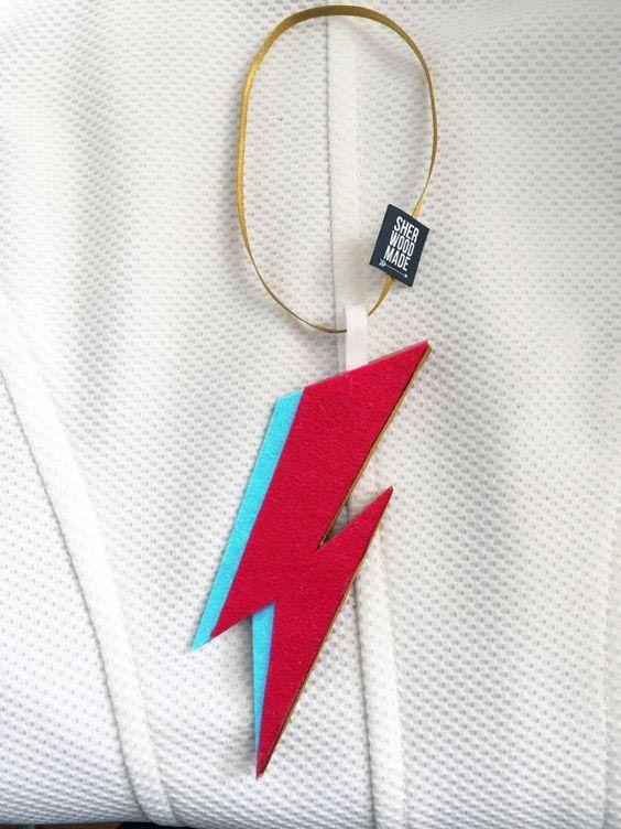 Árbol de Navidad más rockero: Rayo de Ziggy Stardust