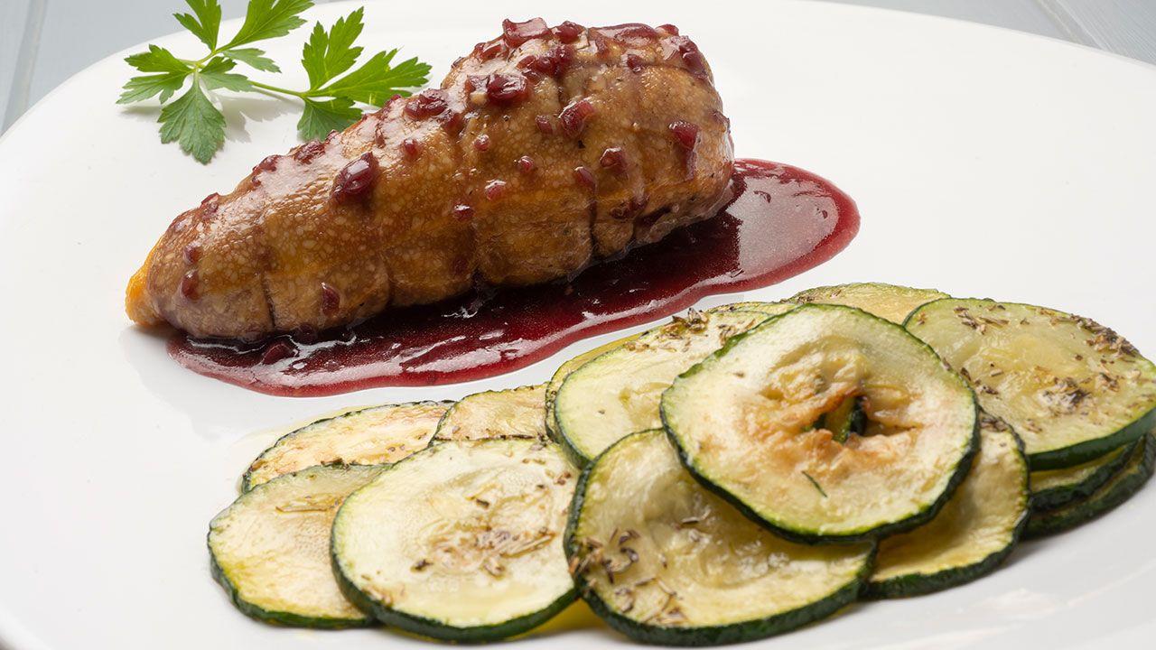 pechuga de pollo rellena con salsa de chalotas