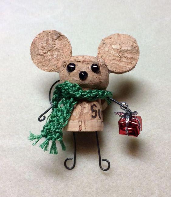 Ratón hecho con corcho de champán
