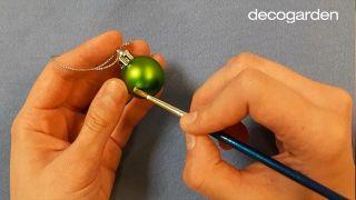 Como pintar tus propias bolas de Navidad - Truco 2