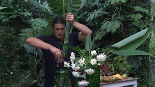 Composición floral con junco