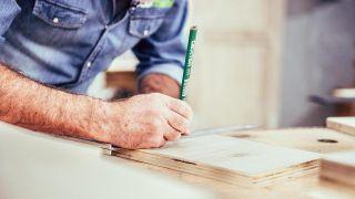Cómo hacer un botellero de madera personalizado - Paso 2