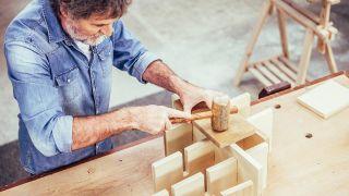 Cómo hacer un botellero de madera personalizado - Paso 5