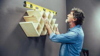 Cómo hacer un botellero de madera personalizado - Paso 6