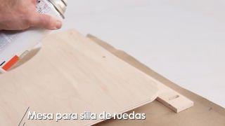 Cómo hacer una mesa para silla de ruedas - Paso 11