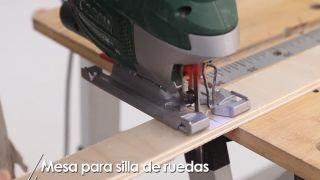 Cómo hacer una mesa para silla de ruedas