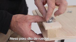 Cómo hacer una mesa para silla de ruedas - Paso 8