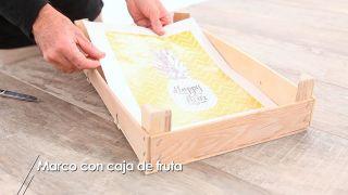 Cómo hacer un marco con una caja de frutas