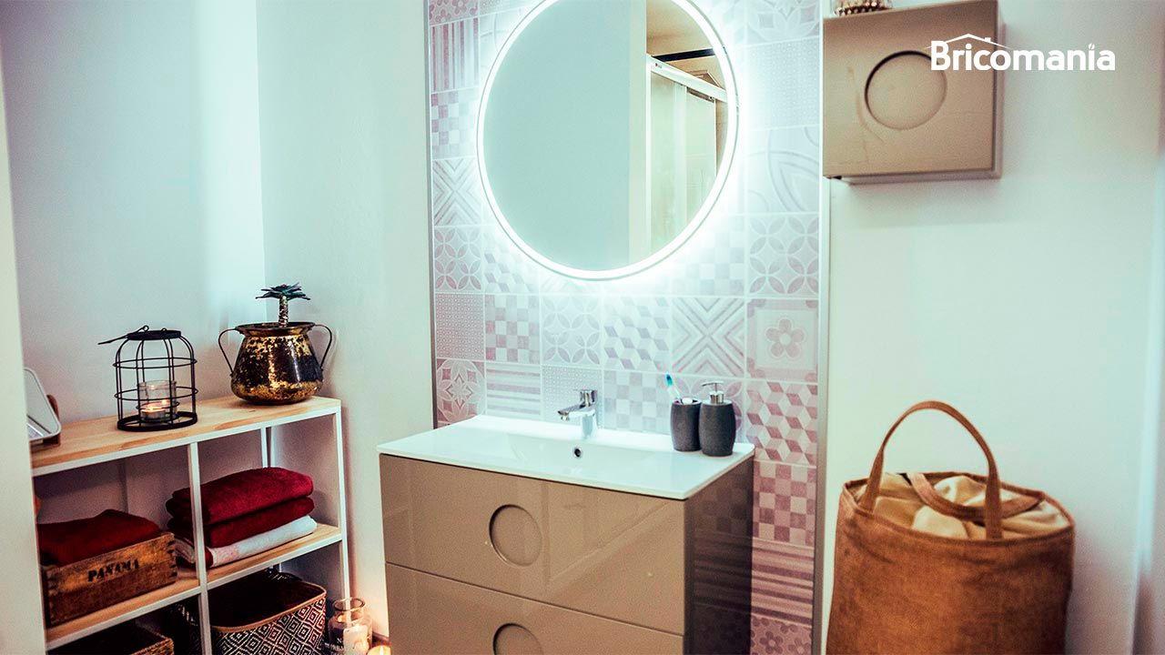 Cómo revestir pared de baño sin hacer obras - Vídeo ...