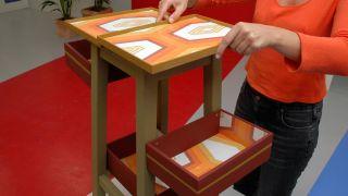 Cómo transformar una banqueta en un mueble para el recibidor - Paso 7