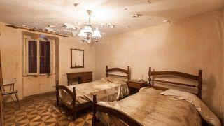 Renovar un dormitorio de una casa abandonada - Antes