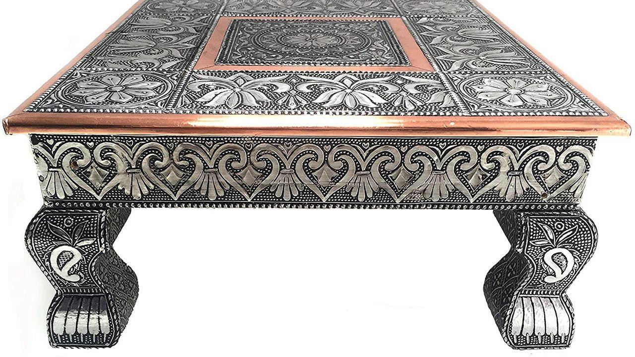 Mesitas bajas de la decoración Hindú