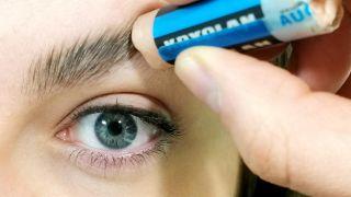 Cómo tapar las cejas con maquillaje - Paso 1