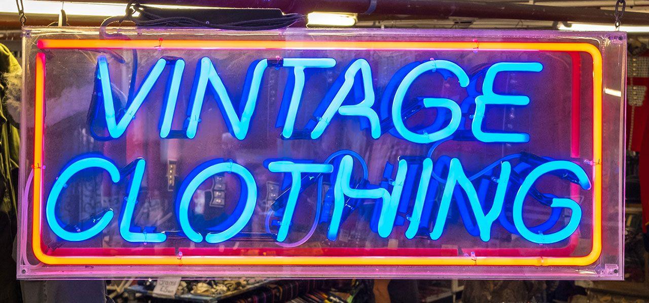 Luces de neón para una tienda vintage
