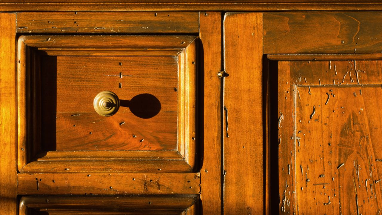 Restaurar un mueble clásico