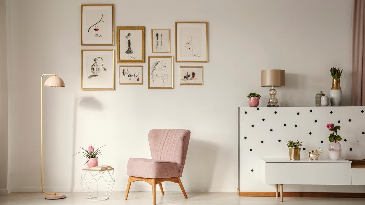 Cuadros pequeños y láminas para decorar una sala pequeña