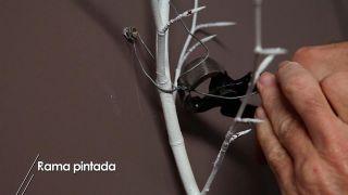 Cómo pintar una rama para decorar la casa