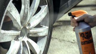 Limpiar las llantas del coche - paso 1