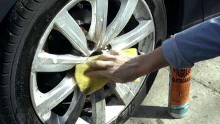 Limpiar las llantas del coche - paso 2