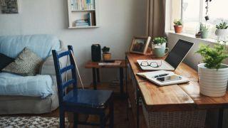 Cómo ordenar y decorar el escritorio para teletrabajar durante la cuarentena