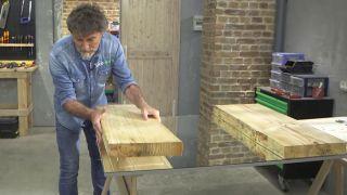 Cómo hacer un cabecero y un espejo de madera para el dormitorio