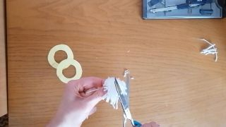Cómo hacer un pompón de lana - Paso 10