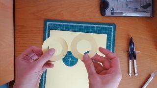 Cómo hacer un pompón de lana - Paso 4