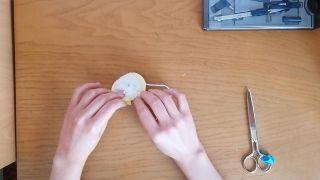 Cómo hacer un pompón de lana - Paso 8