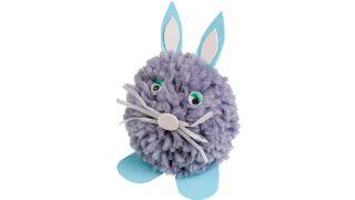 Conejo de Pascua con un pompón