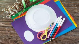 Corona de conejitos de Pascua para hacer con niños durante la cuarentena - Materiales necesarios
