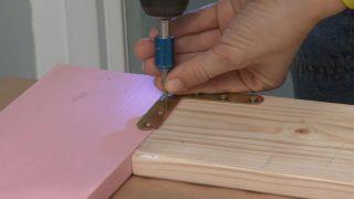 Decorar un cuarto de baño pequeño y sencillo con un mueble muy original - Paso 8
