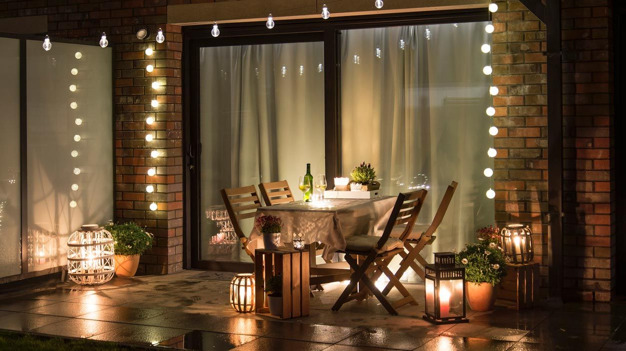 Guirnaldas de luces para decorar tu terraza
