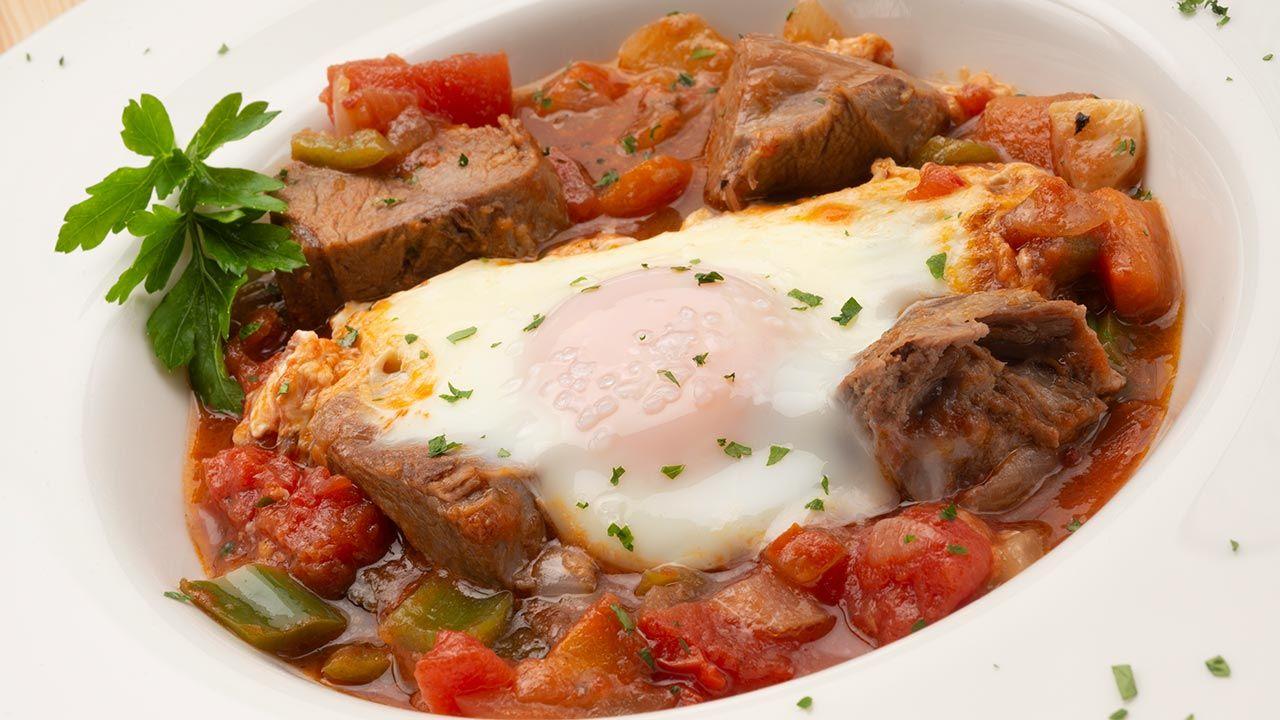 Receta De Carne Cocida Con Fritada Y Huevos Al Plato Karlos Arguiñano