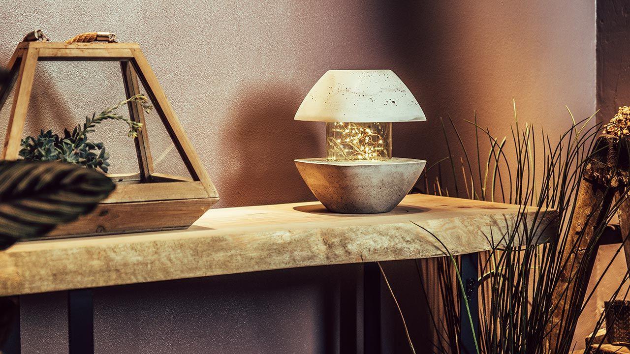 Lámpara de cemento con forma de farolillo