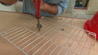 Cómo hacer una base de hormigón para sombrilla de jardín
