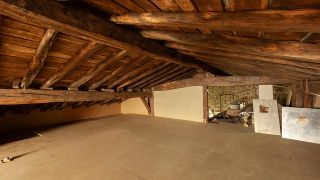 Convertimos una estancia vacía de un ático en una cocina campestre en madera - Antes