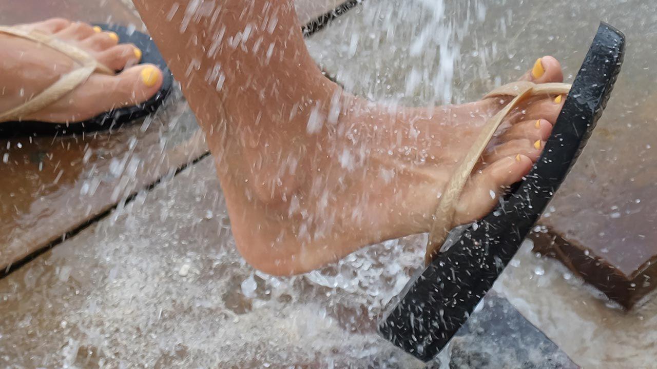consejos para eliminar olor de sandalias