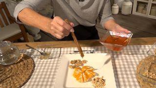 Miel con nueces, avellanas y mandarina