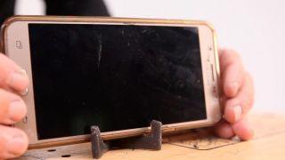 Cómo hacer un soporte para el móvil con silicona