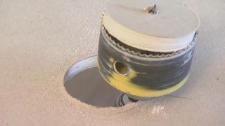 Cómo colocar un foco LED en el techo - Paso 1