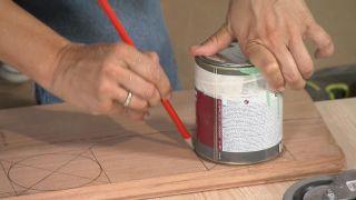 Cómo hacer una mesa de palés con ruedas de madera - Paso 1