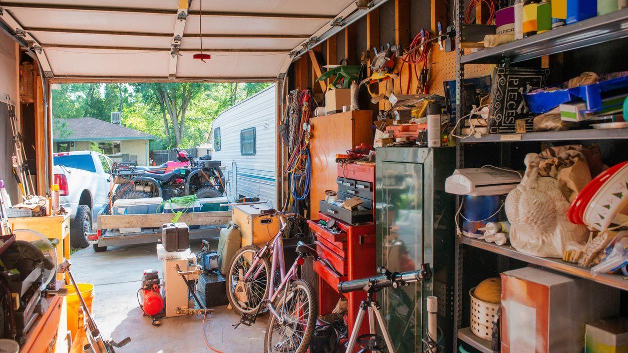 Guarda cosas en el garaje sin que sea un desastre