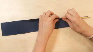Cómo hacer una noria de cartulina o papel - Paso 6