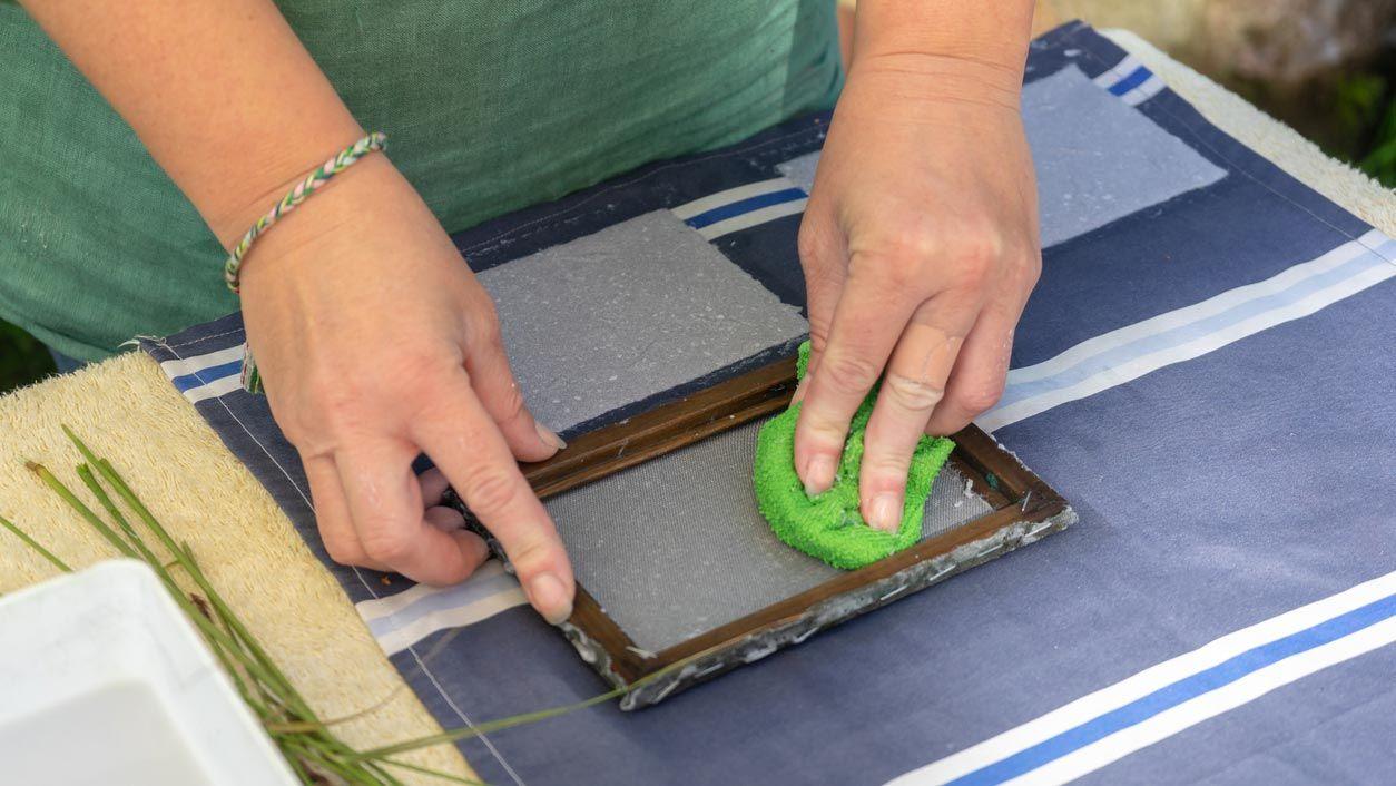 Cómo hacer papel artesanal - Paso 3