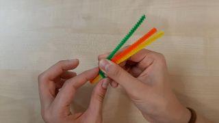 Cómo hacer tipis de papel (¡con plantillas gratuitas!) - Paso 3