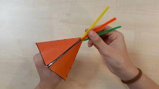 Cómo hacer tipis de papel (¡con plantillas gratuitas!) - Paso 4